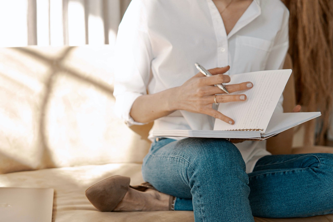 Notebook Therapy: The ultimate guide to journaling as a form of therapy